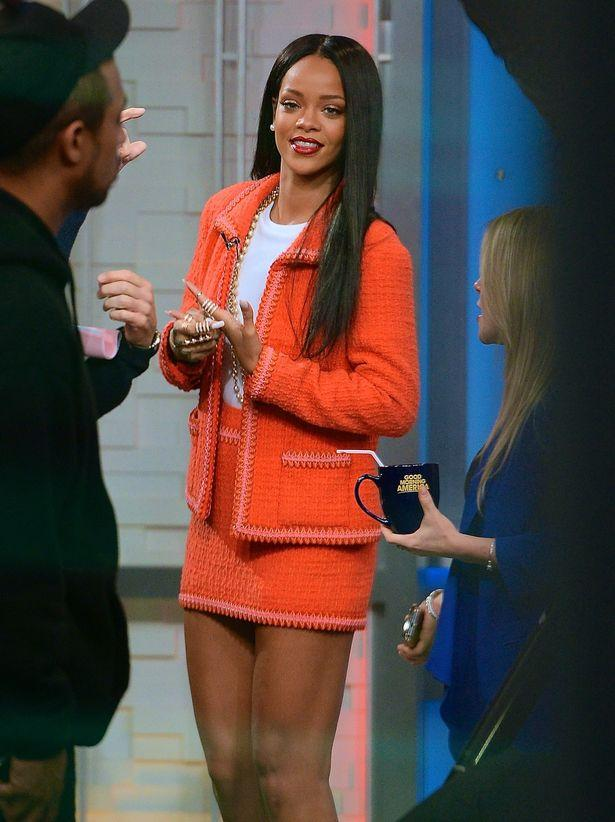 Rihanna-chanel-outfit
